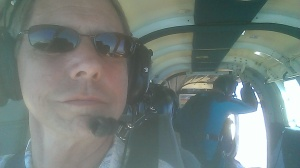 Bob flying right seat in PAX750