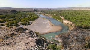 Rio Grande River divides Mexico on the left from US on the right