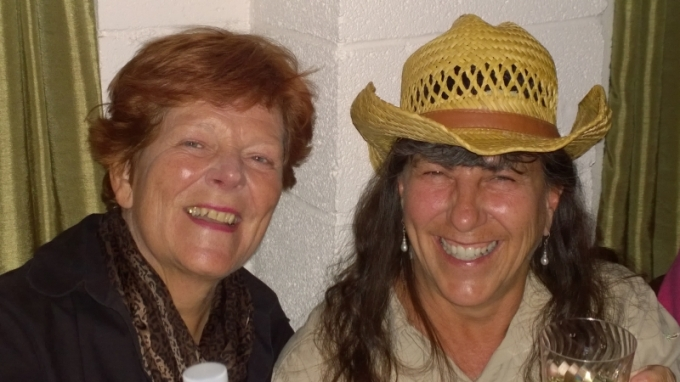 2016-01 Sue and Sherry at Bashfords