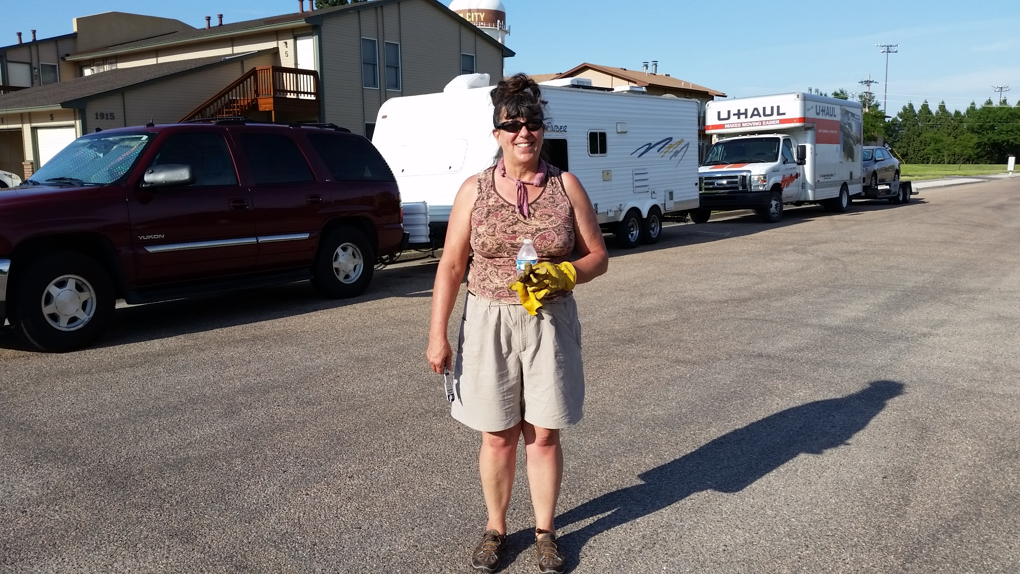 2017-07-13 Sherry in caravan leaving Kansas